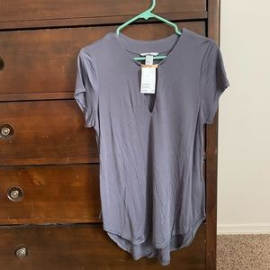 H&M top w/ metal bar detail at the neck. Size: M
